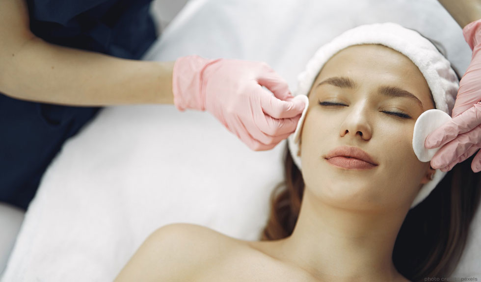 Hurry Up! Avail Clinical Skincare Courses at 10% Discount